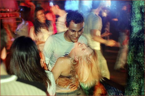 Ae Fond Kiss in Cinema Paradiso
